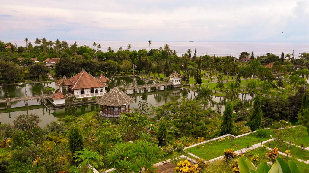 Водный Дворец Уджунг