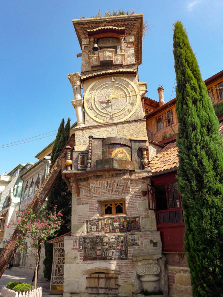 Театр марионеток Резо Габриадзе в Тбилиси.
