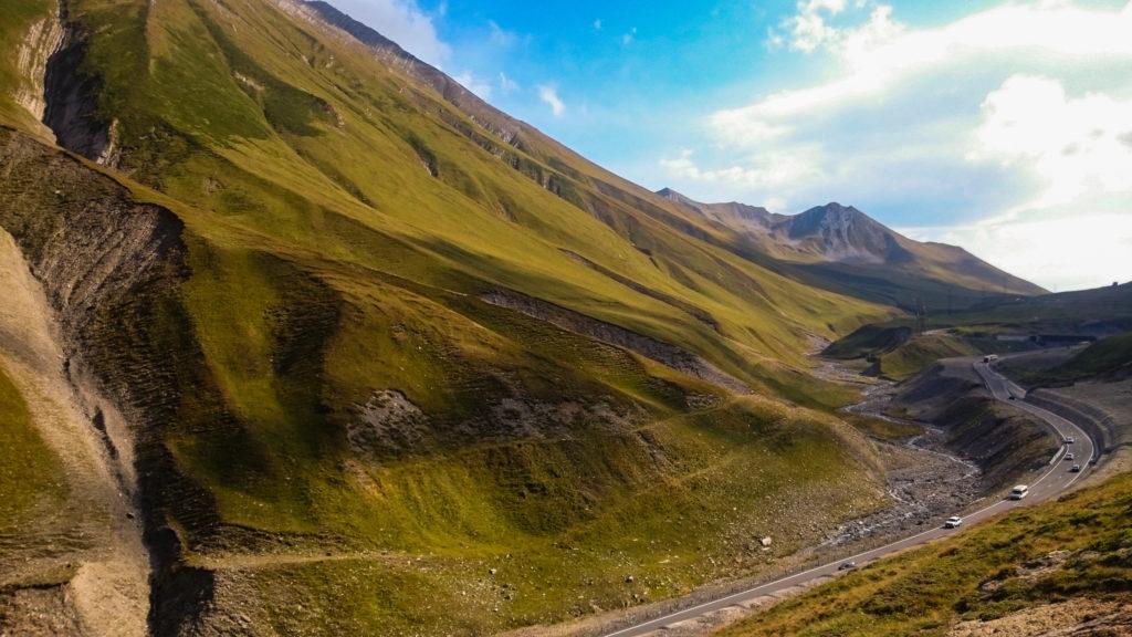 Горный перевал Казбеги.