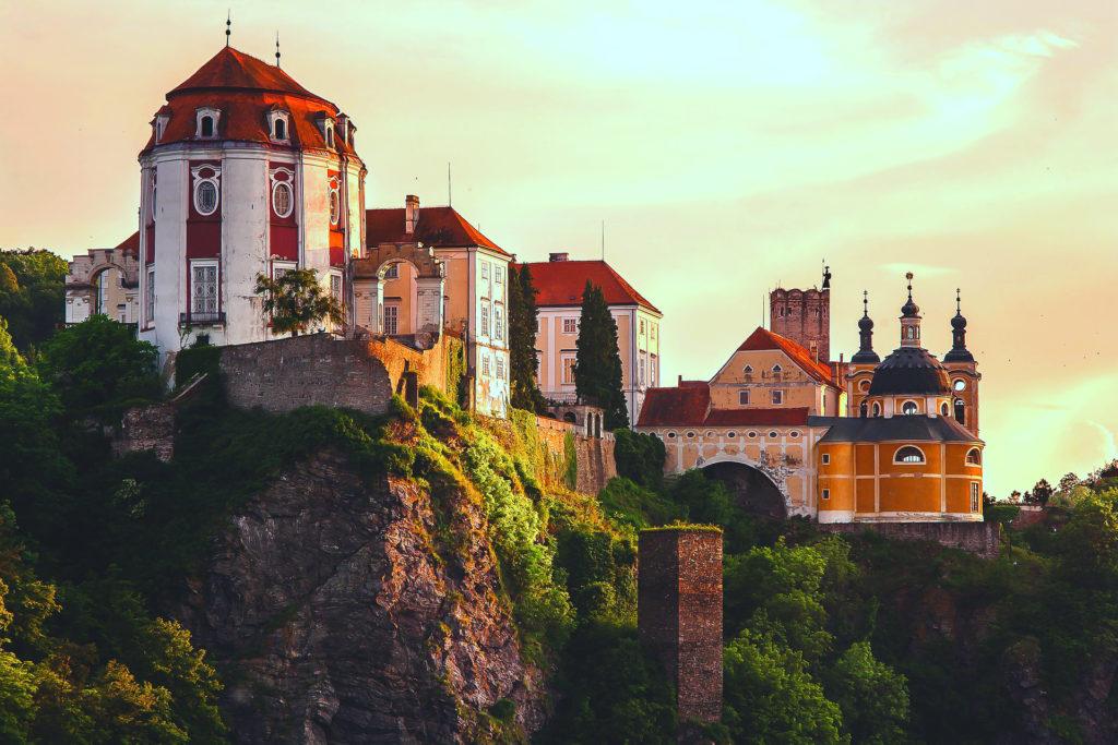 Замок на горе Чехия